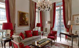 Culoarea vinului rosu se poarta in livingurile moderne.